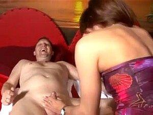 Frau swinger Category:Bottomless women