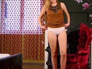 Teen Blondine Jungfrau Große Titten