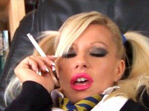 Sexy Brünette Rauchen Sex