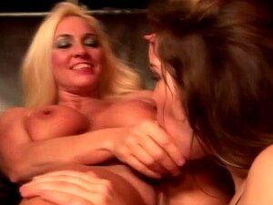 Reife Lesben lehrt Mädchen